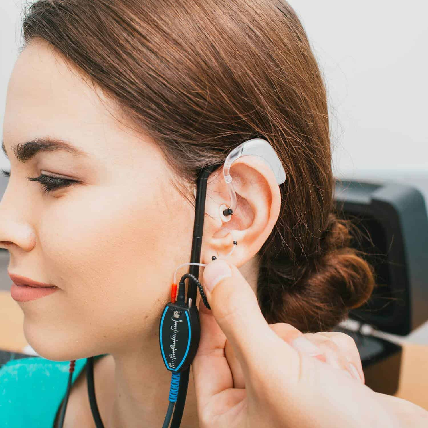 Audiologist Programming Hearing Aids